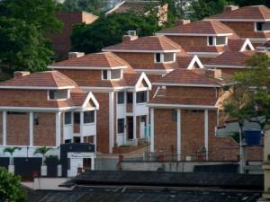 Casas independientes por todos los costados y áreas inmensas que dan confort y bienestar.