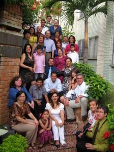 Hermanos, sobrinos, cuñadas y demás familiares acompañaron la reunión.