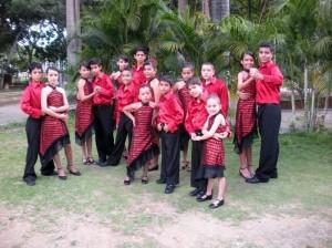 El grupo tiene en total 70 integrantes – bailarines