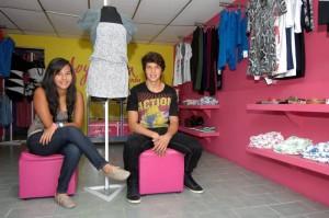 Sandra y Julián han expuesto sus diseños en el Santander Fashion Week y han participado en la Feria de Empresarias de Bogotá.
