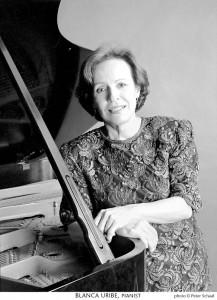 La pianista fue la encargada de reinaugurar el auditorio Luis A. Calvo, de la UIS.