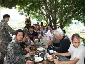 Los encuentros dominicales son también para compartir en familia.