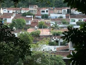 Como la vieja película cómica gringa y destemplada está la seguridad del barrio Pan de Azúcar bajos y altos.