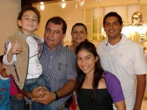 Laura Fernanda Vargas, David Mateo Vargas, Cesar Vargas, María Isabel Prada y Carlos Quiroz.