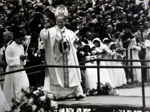 En Bucaramanga se celebra en varias parroquias la conmemoración de los 25 años de la visita del Beato Juan Pablo II a la ciudad.