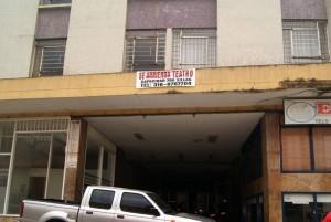 El teatro, ubicado en la calle 34 # 26-46, es de propiedad de un particular.