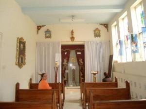 El piso de la capilla también será lavado.