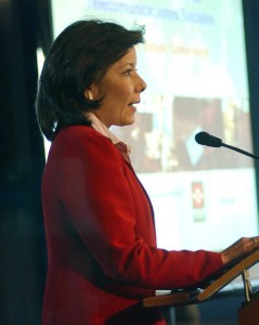 La candidata se ha desempeñado como Ministra de Comunicaciones.