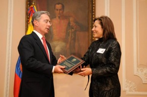 Marta Pinto hizo parte del gabinete ministerial de Álvaro Uribe.