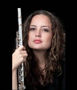 Elizabeth Osorio (flauta).