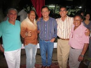 El famoso compositor Julio Erazo, que era compadre de su papá, Ubaldo Meneses.