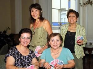 Sofía Uribe de González, Adela Durantti de Osorio, Martha de Rodríguez y Beatriz de Giraldo.