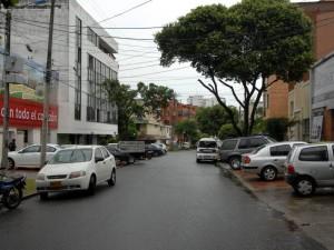 La carrera 28 entre calles 50 y 51 sufre de contaminación auditiva e invasión del espacio público, denuncian vecinos del sector.