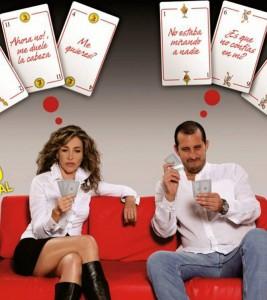 Marcela Carvajal y Fernando Solórzano protagonizan la obra de teatro 'Hombre con hombre, Mujer con mujer'.