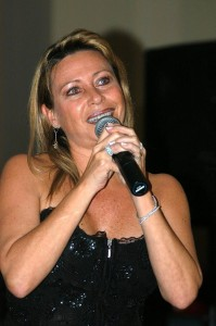 Beatriz Arellano hace parte del repertorio bolero.