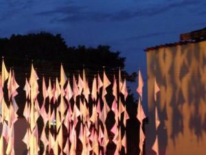 La Bienal ofrece una muestra de 21 trabajos de artistas seleccionados junto a 22 artistas invitados.