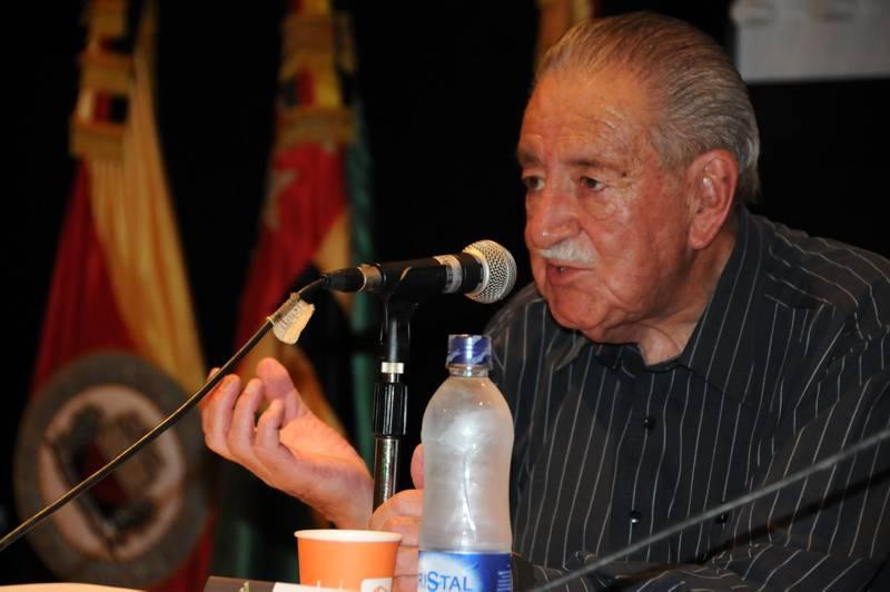Fernando Soto Aparicio Mientras Llueve Fernando Soto Aparicio