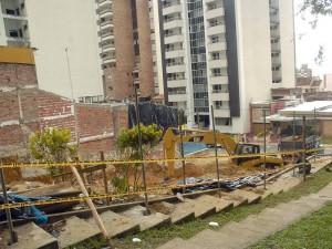 Los trabajos se realizan a pocos metros del parque Los Sarrapios.
