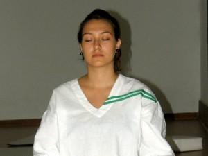 El yoga  una disciplina que combina la parte física, emocional y espiritual.