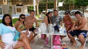 Martha Santos, Laura Vargas, Carlos Ramírez, Deisy de Jiménez, Leonardo Jiménez, Lady Calvo  y Cristian Calvo.