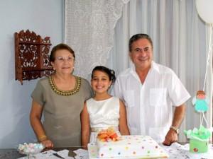 Humberto Cárdenas, Carmen Delia de Cárdenas y María Alejandra Archila.