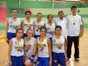 El equipo femenino de baloncesto del colegio de La Presentación triunfó en Intercolegiados Departamentales.