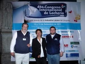 Lo docente María Cristina Vásquez estuvo en el Congreso Internacional de Lechería, en Uruguay.