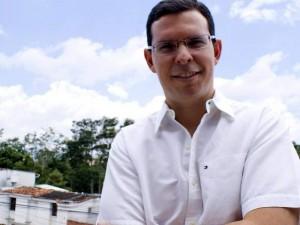 Iván Romero es candidato al Concejo de Bucaramanga, por la comuna 12.