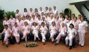 Las Damas Rosadas cumplen con una función social de solidaridad con los más necesitados.