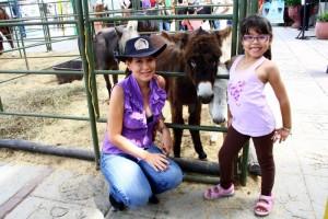 Los niños disfrutan también de la Feria Ganadera