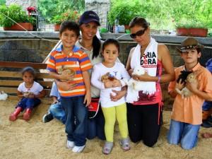 Los conejos son otras de las atracciones de la Feria Ganadera