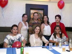 Claudia Arango, Luisa Manrique, Mery Cancino, María E. Espinoza, Yolanda de Peña, Tatiana Escobar y Zaira García.