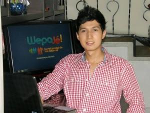 John trabaja en empresa familiar y es diseñador de sitios web, con eso ha podido sustentar económicamente la página. (Javier Gutiérrez).
