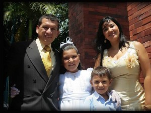 Ciro Alfonso Delgado Mejía, María Camila Delgado, Diana Carolina Fuentes Delgado y Santiago Alfonso Delgado.