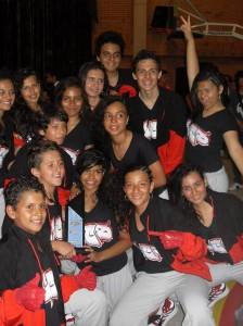 El grupo está integrado por estudiantes con edades entre los 10 y 15 años.
