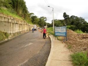En este punto se fue parte de la vía, lo que obligó al Acueducto Metropolitano de Buca-ramanga a hacer algunos arreglos en las redes de distribución.