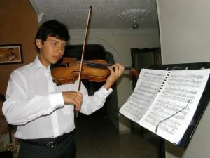 La música hace parte activa de la vida de Julián Andrés Rey Peñaranda. (Javier Gutiérrez).