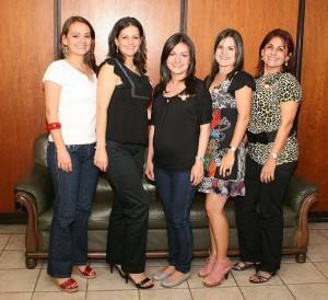 Martha Lucía Aicardy, Silvia Aicardy, Maira Alejandra Gómez, Lina María  Gómez y Beatriz de Aicardy.