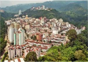 La construcción de viviendas y edificios residenciales en La Floresta, junto a Terrazas, es la carta de presentación de esta zona hoy en día. Al paisaje de esta foto se le añade (al fondo) el barrio Pan de Azúcar.