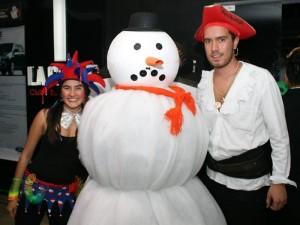 María José Villabona, Camilo Cárdenas y Camilo Rodríguez en la discoteca La Calle.