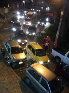Así se ve la calle en las noches, entre semana.