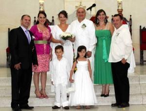 Julio Eduardo Carrillo, María Victoria Quiroga Díaz, Julio Carrillo, Sonia Alvarado, Berta Alvarado Sandoval, Héctor Ricardo Díaz Vargas, Martha Isabel Díaz y Hugo Eduardo  Quiroga.