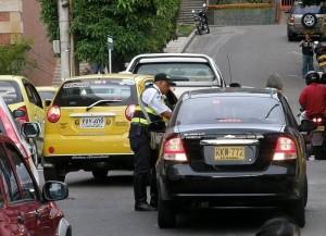 La movilidad en Cabecera para algunos conductores parece no importarles esa situación.