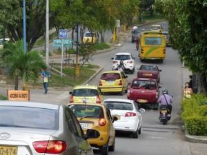 La calle 93, donde confluyen tres vías más, es la ruta más corta para llegar ahora a Lagos del Cacique.