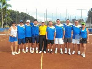 Este fue el equipo del Club Unión ga-nador en torneo nacional de tenis.