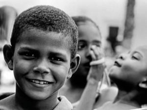 Esta foto de Claudia Arévalo titulada 'Sonrisas Inocentes' estará en la subasta.