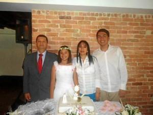 Roberto Pineda, Laura Juliana, Claudia Monclou y Samuel Mantilla Monclou.
