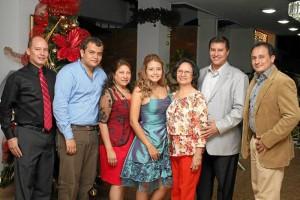 Fabio Reyes, Juan Carlos Martínez, Stella Cáceres, Erika Tatiana Cáceres, Ana Virginia Cáceres, Carlos Fernando Reyes y Germán Darío Reyes.