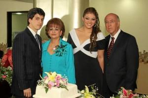 Andrés Bernardo Ríos, Patricia Rincón, Silvia Patri-cia Ríos y Bernardo Ríos.