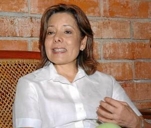 Marta Pinto de De Hart.